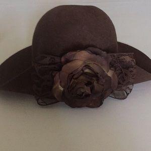 Sweetest felt hat !